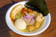 麺ダイニング花城と豚そば一番星のコラボラーメン