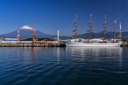 富士山と日本丸のコラボ