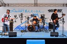 ステージでのライブ