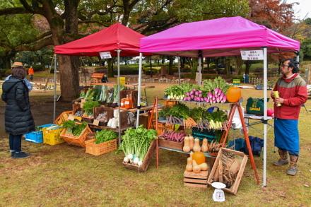地元農家による野菜販売