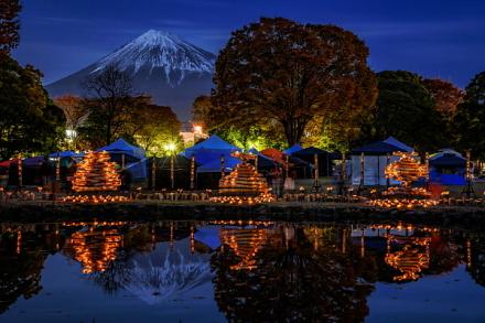 夕暮れ時の富士山と竹かぐやの風景