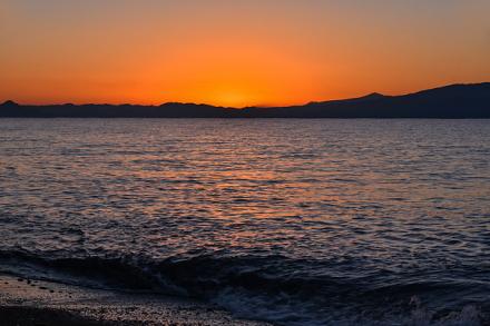 初日の出直前の海岸