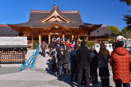 富知六所(三日市)浅間神社の初詣風景