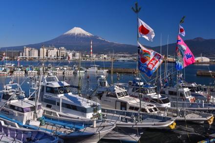 田子の浦漁港からの富士山