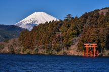芦ノ湖と富士山の風景