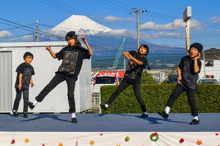 キッズダンスのステージ