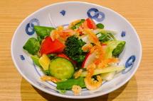 生桜えびの素揚げのせサラダ