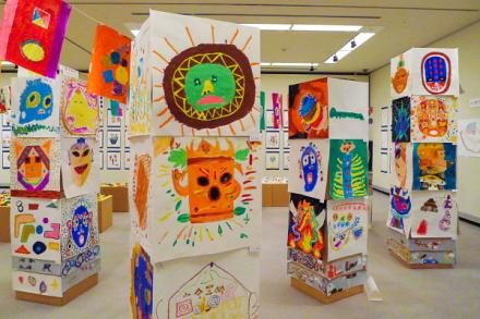 富士美術研究所作品展開催のロゼシアター展示室