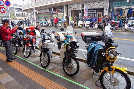 富士カブミーティング会場の吉原東本通り商店街