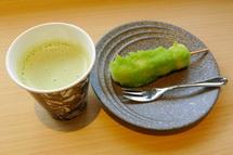煎茶ラテと団子