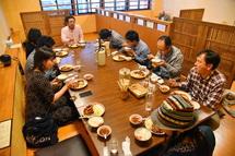 中華料理店「一楽」で夕食