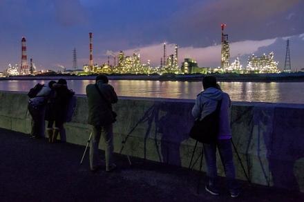 四日市工場夜景撮影を開始