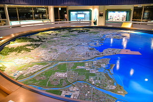 うみてらす14の四日市港に関する展示