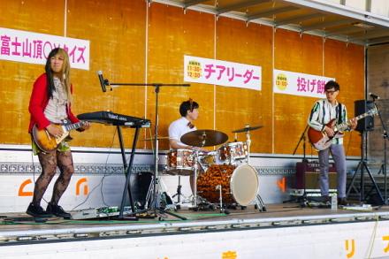 DATSUN320のライブ