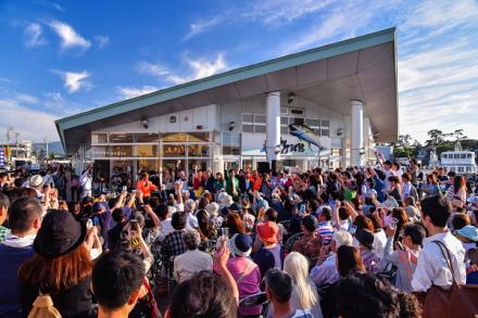 「ぬまづ港の街BAR」開催で賑わう沼津港