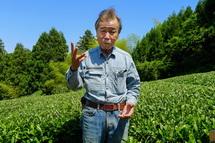 説明する「人と農・自然をつなぐ会」の杵塚敏明さん