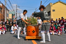 女衆による宮太鼓の競演
