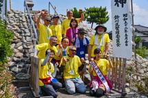 富士塚での記念撮影