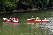 駿府城のお堀を手漕ぎボートで楽しむ「葵ぼーと」