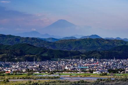 牧之原公園近くの高台からの富士山の眺め