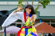 ご当地アイドル「3776」のライブ