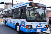 バスの教育訓練車両の展示