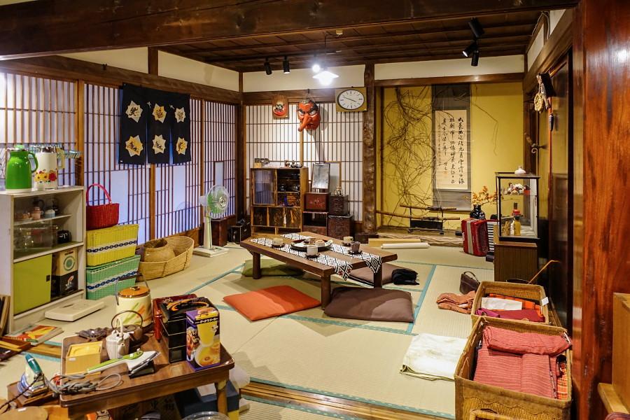 昭和の懐かしい小道具展開催のspace Wazo