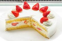 ケーキはテイクアウトと店内飲食のどちらも可能