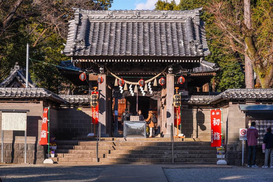 日吉浅間神社の初詣風景