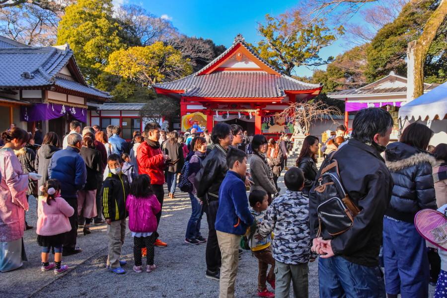 米之宮浅間神社の初詣風景