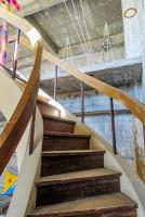 澤田ビル内の味のある階段