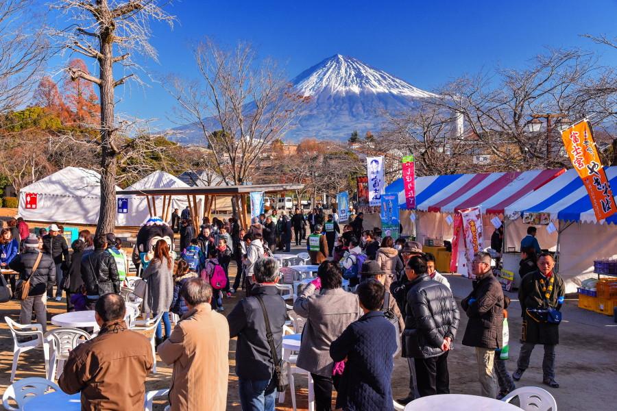 記念祭開催の神田川ふれあい広場