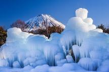 樹氷と富士山の風景