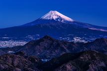 夜明けの富士山ズーム