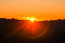 天城の山からの日の出