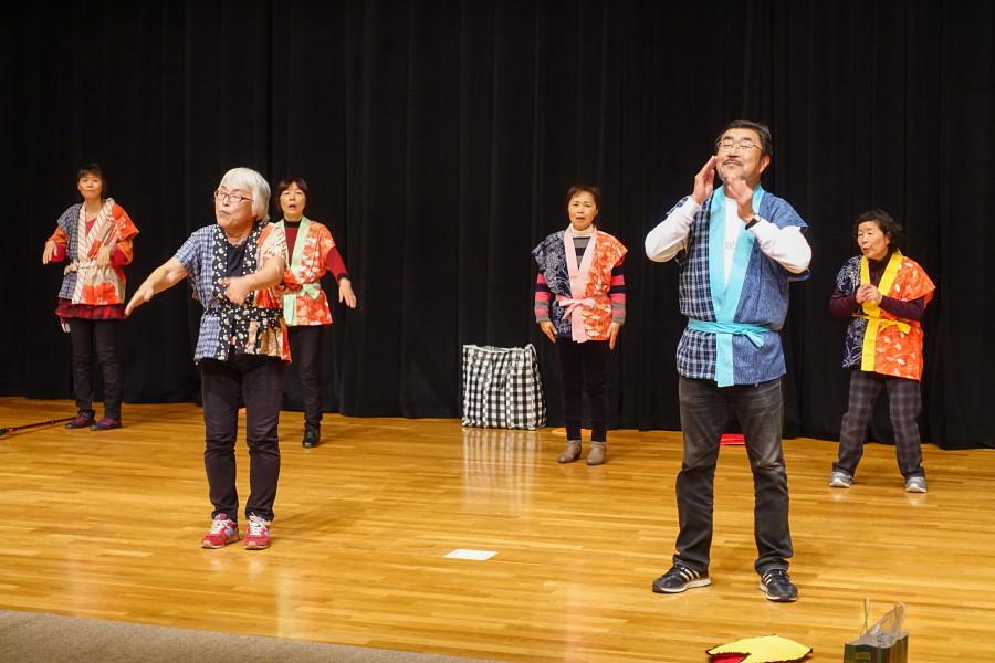 ステージでの歌遊び