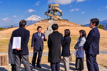 県知事が来賓で訪れる