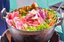 富士宮産の具材がたっぷり入った鍋