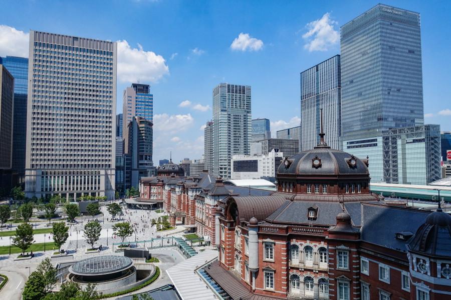KITTE屋上からの東京駅周辺の眺め