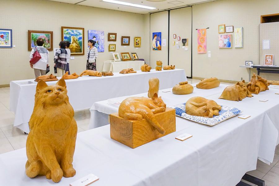 猫と暮らすアート展開催の富士宮市民文化会館