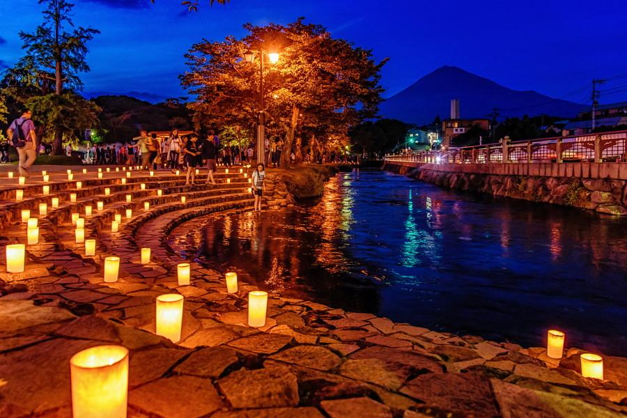 神田川沿いを彩るキャンドル