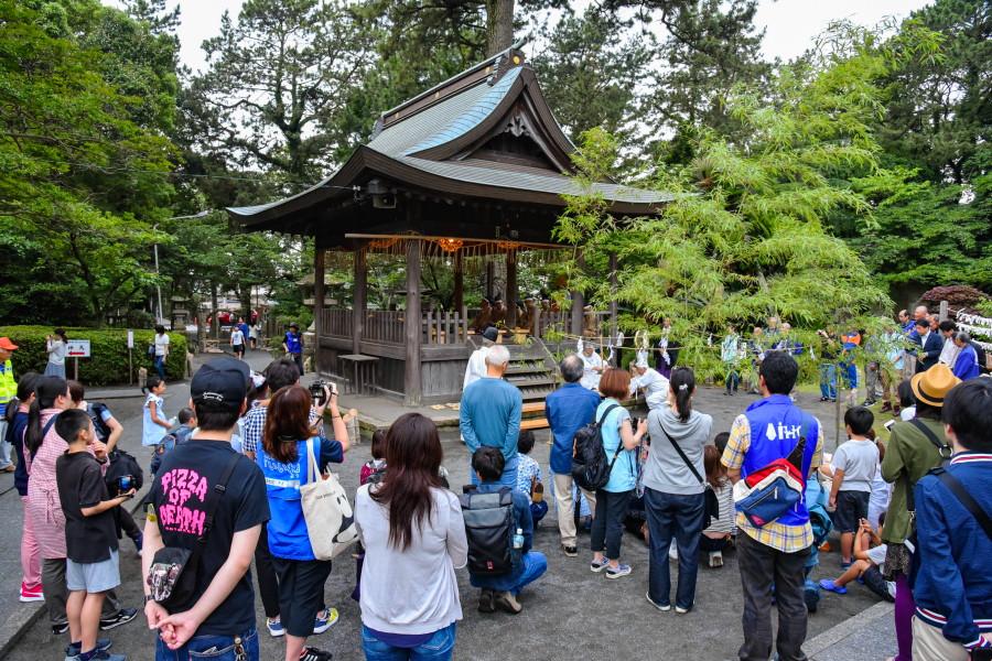 火おこしなどが行われた御穂神社