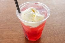 佐野製茶所のホウジ木苺ソーダ