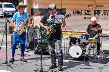 西町商店街での音楽演奏
