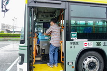バス内の見学