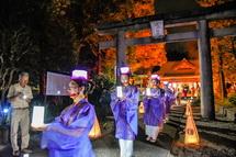 滝川神社での舞